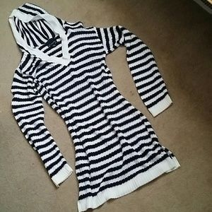 Navy/White tunic hooded sweater